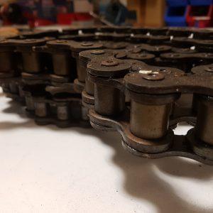 Single width chain link